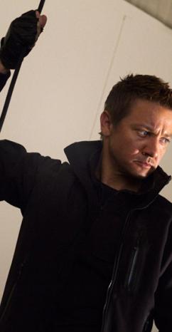 Imagen de Jeremy Renner, Hawkeye, llevando una Chaqueta Táctica Blackhawk en Los Vengadores