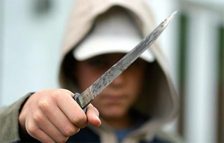 La mayoría de ataques a policías se produce con arma blanca