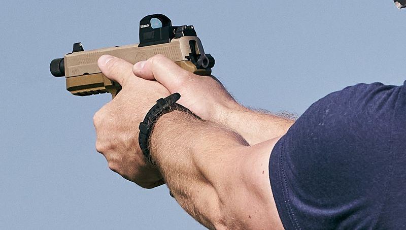 Punto rojo TASCO montado en pistola