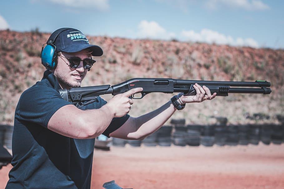 Escopeta válida tanto para la caza como para un uso policial